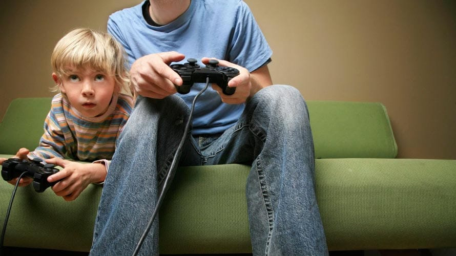 Bahaya Bermain Video Game Pada Anak