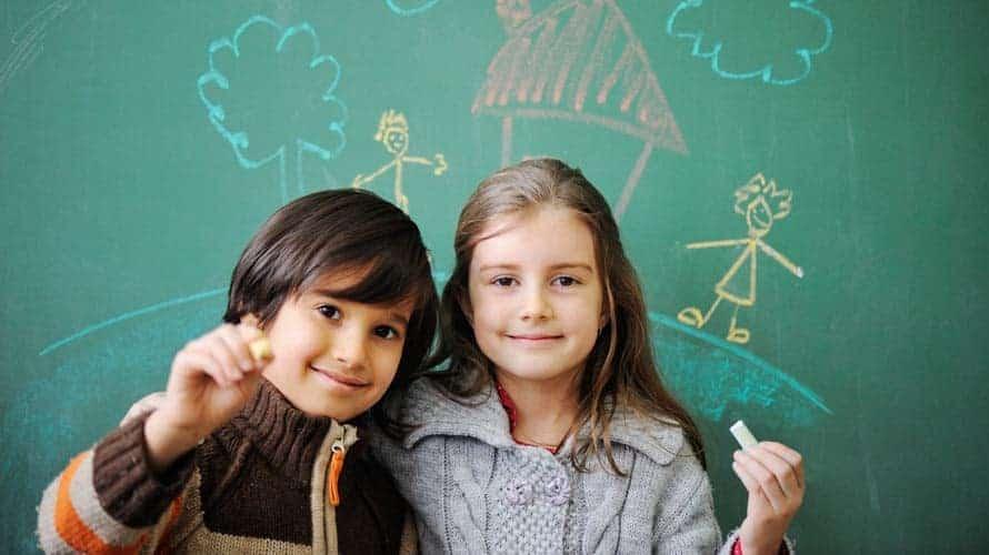 Apa Bedanya Mendidik Anak Laki-Laki dan Perempuan?
